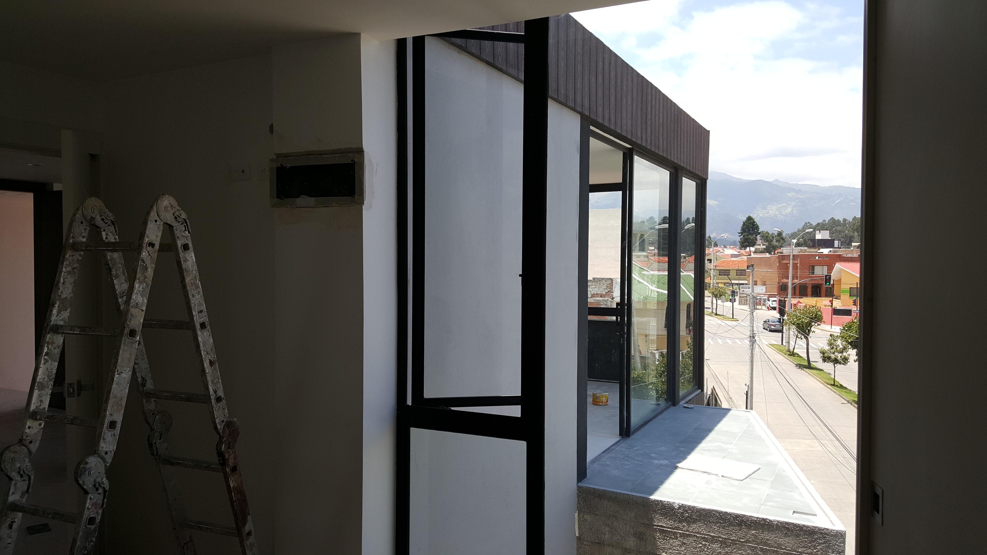 Modelos de ventanas de aluminio 2016 casas cuenca for Modelos de ventanas de aluminio para casas